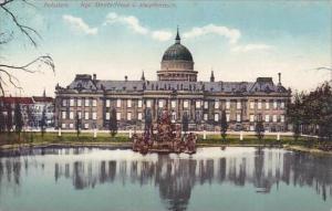 Germany Potsdam Koeniglisches Stadtschloss und Karpfenteich