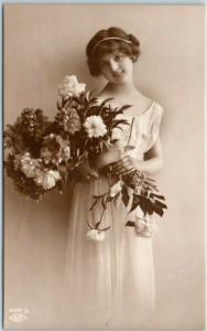 c1910s Greetings Postcard Girl / White Dress Bouquet of Flowers - Unused