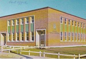 Federal Building & Post Office , GANDER , Newfoundland , Canada , 40-60s