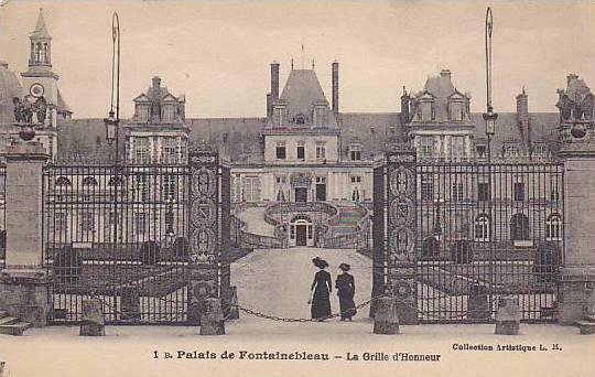 La Grille d'Honneur, Palais De Fontainebleau (Seine et Marne), France, 1900-1...