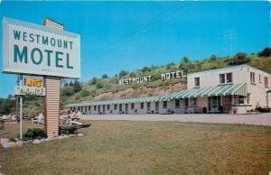 Woodstock Ontario~Westmount Motel~Folks in Lawn Chairs~Hillside Letter Sign~1960