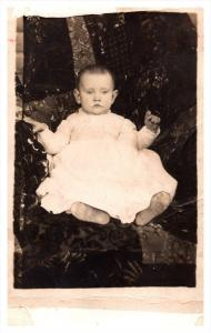 20342    baby on Chair  RPC