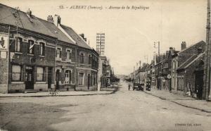 CPA ALBERT - Avenue de la Republique (121342)
