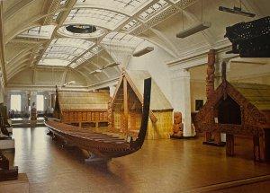 War Memorial Museum, Maori War Canoe Auckland, New Zealand Postcard