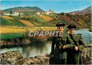 Postcard Modern Basque Country The Spanish customs officers on duty on the Bi...