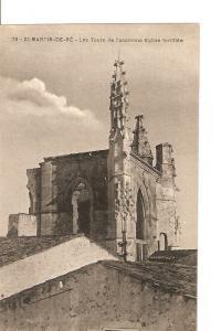 Postal 027282 : St. Martin de Re. Les Tours de lancienne Eglise fortifiee