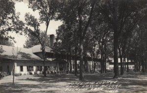 RP: DELAVAN LAKE , Wisconsin, 1930-40s ; Hotel & lounge, Lake Lawn Resort
