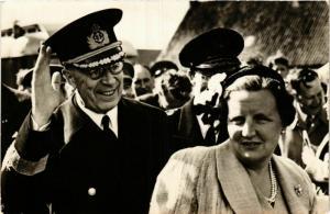 CPA H.M.Koningin Juliana en Z.M.Koning Gustaaf VI DUTCH ROYALTY (747217)