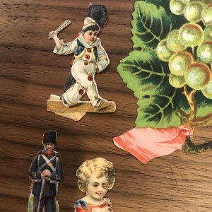 RARE ANTIQUE VICTORIAN DIE CUT SCRAPS  ANGEL HORSE SOLDIER CIRCUS DOG FLOWERS