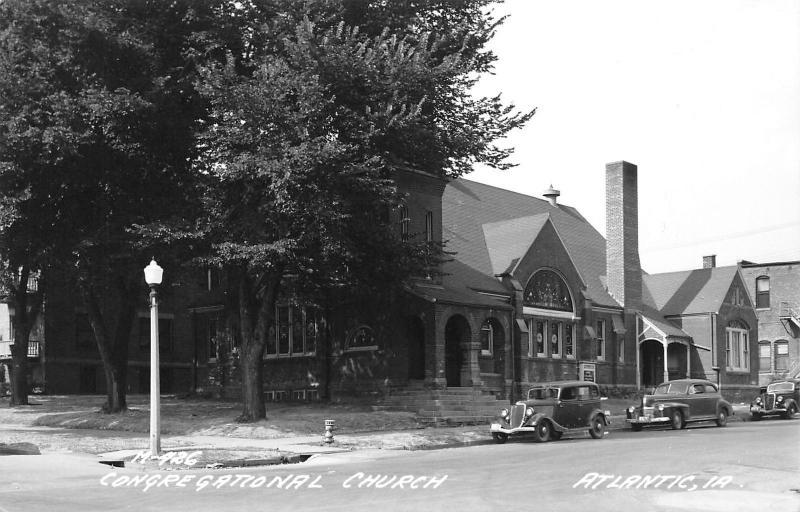 Atlantic Iowa~Congregational Church Corner~1920-30s Cars~Lamp Post~1940s RPPC