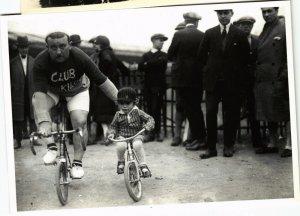 CPM ROGER VIOLLET, FÉTE DES CAF'CONC' 1925, LE CLUB DES PLUS DE 100KG (d1609)