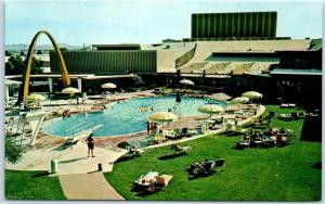 Las Vegas, Nevada Postcard THE DESERT INN Resort Swimming Pool Scene c1960s