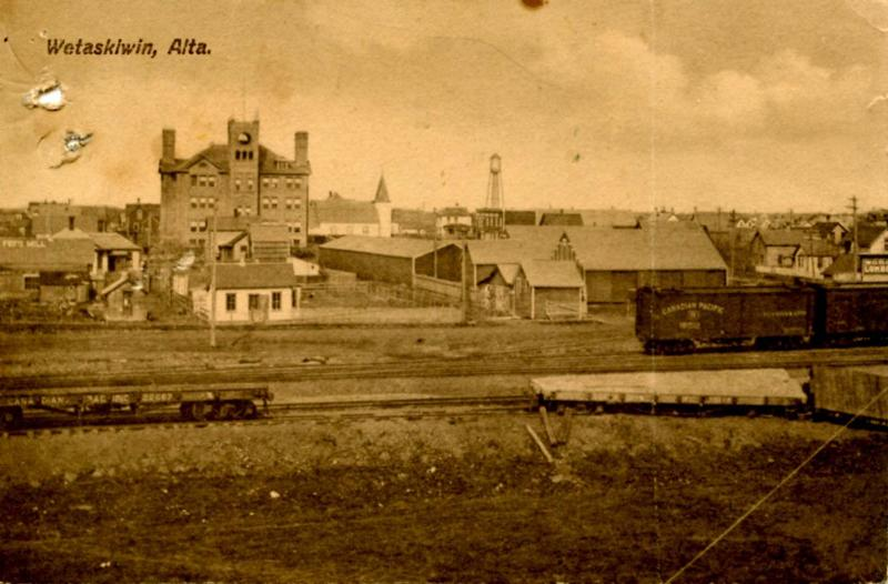 Canada - Alberta, Wetaskiwin. Rail Yard and Town (*DAMAGED) See scan