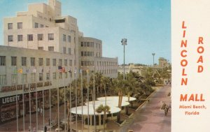 MIAMI BEACH , Florida , 50-60s ; Lincoln Road Mall