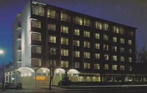 Cavalier Motor Hotel, Night Scene, SASKATOON, Saskatchewan, Canada, 40-60's