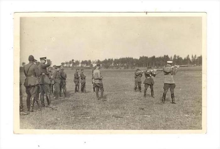 RP  Soldiers on rifle range, Latvia, 1926