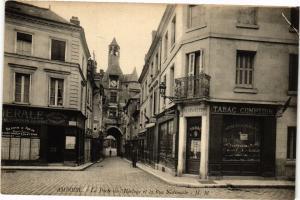 CPA AMBOISE - La Porte de l'Horloge et la Rue Nationale (229325)