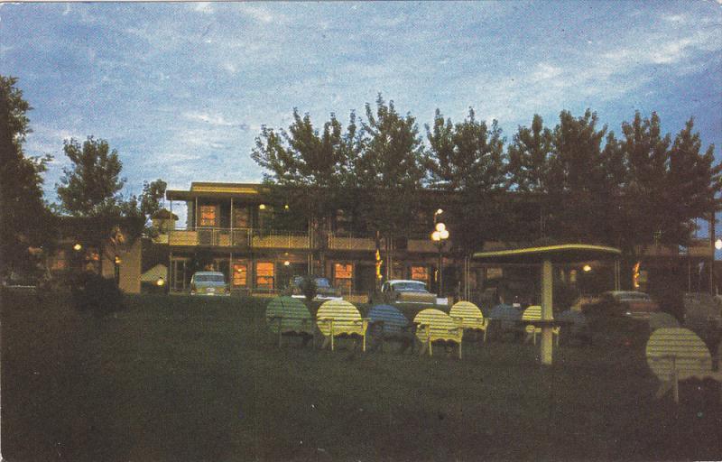 Night View, Au Parasol, Chicoutimi, Quebec, Canada, PU-1989