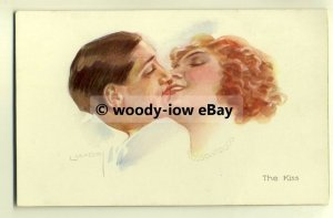 su1539 - Man & Woman - The Kiss - Glamour - artist L Usabel - postcard