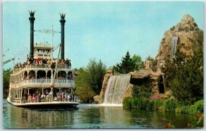 Vintage DISNEYLAND California Postcard Steamboat MARK TWAIN #I-299 Unused
