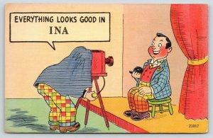 Everything Looks Good Ina Illinois~Photographer Under Camera Hood~1940 Linen
