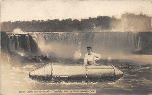 F55/ Niagara Falls New York RPPC Postcard 1911 Bobby Leach Barrel Man
