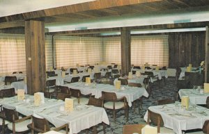 REGINA , Saskatchewan, 50-60s; Walnut Room , Golden West Motel