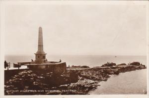 RP: Penzance , Cornwall , England , 20-30s ; Battery Rocks & War Memorial