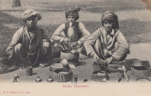 AGRA , India , 00-10s ; Snake Charmers