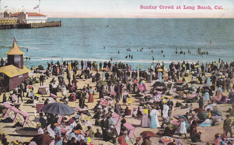 LONG BEACH, Califronia; Sunday Crowd, 00-10s
