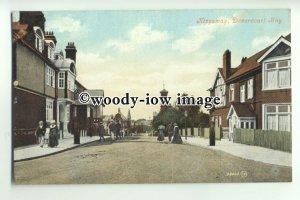 tp9429 - Essex - Early View of Kingsway by Hotel , in Dovecourt Bay - postcard