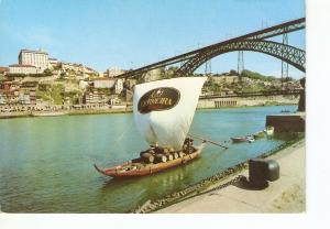 Postal 024183 : Barco Rabelo e vista parcial da cidade. Porto - Portugal. Bue...
