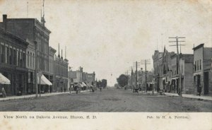 HURON , South Dakota , 1909 ; North on Dakota avenue