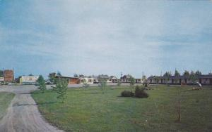 CHEZ-NOUS Motel , 2 miles North of Montreal , Quebec , Canada , 40-60s