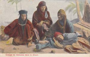 Groupe de bedouins dans le desert , 1901-07