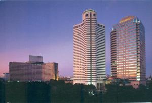 Japan, Tokyo, Hotel New Otani at night, unused Postcard