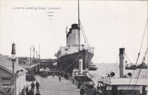 4-stack Ocean Liner at Landing Stage , LIVERPOOL , Lancashire , England , 00-...
