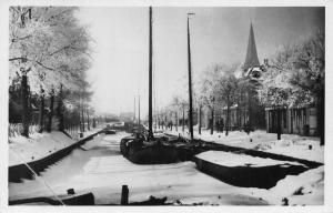 Netherlands Harlingen Rozengracht in Wintertooi Frozen River Boats Postcard