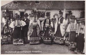 Mezokovedsi Parasztlegenyek Unneploben Hungary Peasants Postcard