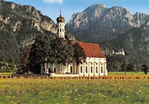 St. Coloman-Kirche bei Schwangau i. Ostallgaeu mit Saeuling Koenigsschloss
