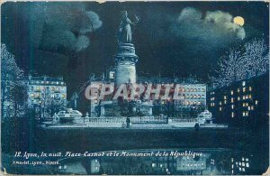 Postcard Old 12 lyon night up book and manument of the republic