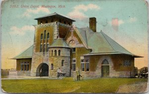 Muskegon MI Union Depot c1911 Postcard E86