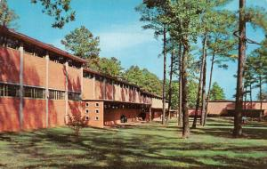 AR, Arkansas  LITTLE ROCK JUNIOR COLLEGE Campus Scene  c1950's Chrome Postcard