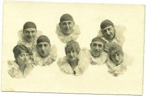 RP: COLWYN BAY , Wales , UK , 00-10s ; Perrot Clown Performers