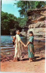 Wisconsin Dells -  Winnebago Indian Girls