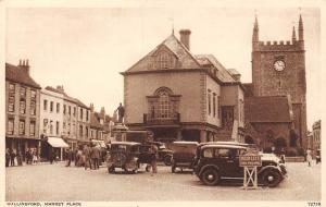 Wallingford Market Place Auto Cars Voitures, Statue, Clock