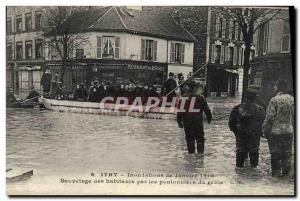 Old Postcard Army Ivry Floods of January 1910 Rescue of inhabitants by pontoo...