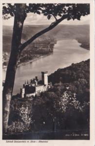 Germany Schloss Stolzenfels mit Blick im Rheintal