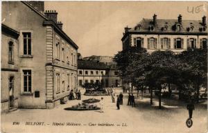 CPA  Belfort - Hopital Militaire - Cour intérieure (585075)