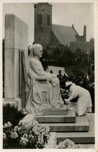 Dutch Royalty -  Memorial of the Queen   *RPPC